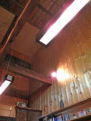 店内:天井高い@ポコペンのペコポン・三角市場・福岡