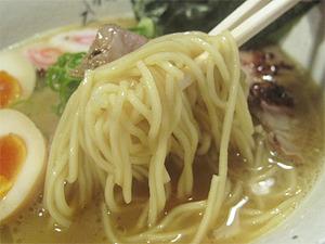 10濃厚鶏白湯特製ラーメン麺@藤しろ