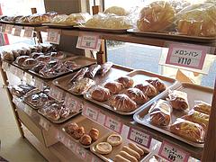店内:パン販売コーナー@タケシタベーカリー喫茶部