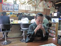 3店内:小上がりとカウンター@博多ラーメン一点公・大橋