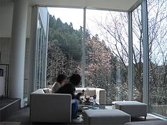 店内:2階カフェのテーブル席@茶房わらび野