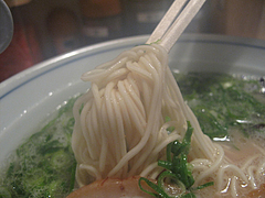 料理:トンコツ麺@ラーメン・カナデヤ・塩原・大橋