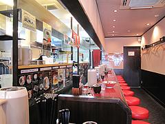店内:L字カウンター席のみ@ラーメン暖暮・博多中洲店