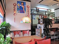 店内:テーブル席・小上がり@中華料理・蘭蘭・春日