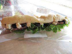 12パストラミポークとクリームチーズ260円@ベーカー・バイツェン