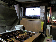13店内:テレビ・立ち呑み@中洲・博多のおでん