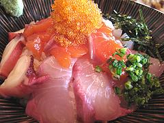 料理:海鮮丼アップ@博多煮込み・うみくま家・大手門