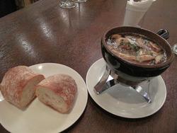 6コリコリとマッシュルームのアヒージョ@ワイン食堂・根