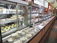 店内:ディスプレイ1@華さん食堂・半道橋