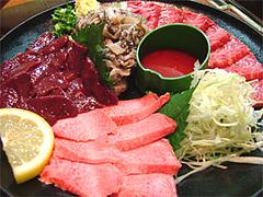 焼鳥『牛作』の肉刺身@福岡市中央区小笹