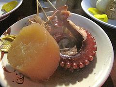8料理:おでんタコ串@屋台・丸和前ラーメン・小倉・旦過市場