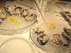 料理:牡蠣食べ放題の広島産と長崎九十九島産カキ@オイスターバー・キャナルシティ博多・福岡