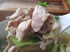 ランチ:かしわそばの鶏肉@笹うどん・小笹