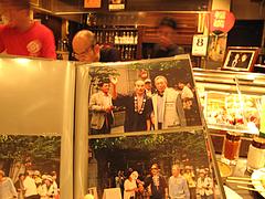 店内:北島三郎ファンの店@天下の焼鳥・信秀本店