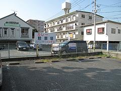 外観:駐車場@カレー・珈琲の店・インダス