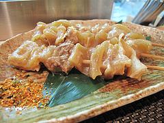 4鉄板焼店:牛スジ串@お好み焼きダイニング城・中洲川端