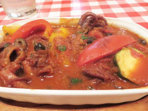 12イイダコのトマト煮込み
