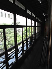 店内:松楠居中庭@博多織デベロップメントカレッジ・松楠居・やぶ金