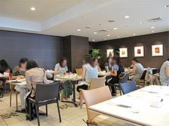 店内:テーブル席@クラウンカフェ・ANAクラウンプラザ