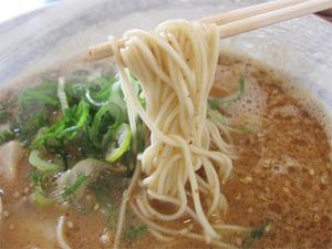 10辛味ラーメン麺@くまちゃんラーメン