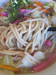 ランチ:ちゃんぽん麺@カラフル食堂・那の川