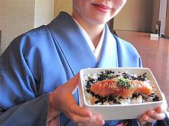 料理:めんたい重の大きさ。@元祖博多めんたい重・西中洲