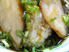 料理:チャーシュー丼のゴハン@博多めんとく屋ラーメン