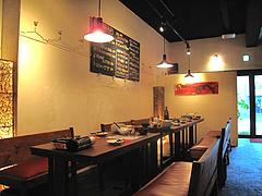 店内:テーブル席@居心地屋REON(レオン)・薬院