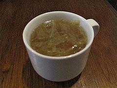 料理:+100円でキャベツコンソメスープ@煮込み白金店