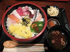 ランチ:海鮮丼500円@海鮮炉端・一手一つ・大橋