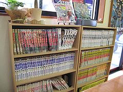 店内:漫画・雑誌コーナー@薩摩屋・清川