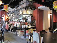 店内:カウンターとテーブル@生煎酒場ゑびす家(えびす家)・天神今泉