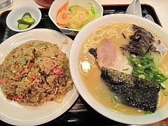 料理:Aセット830円@本場久留米・うちだラーメン・那珂川