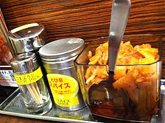 6店内:福神漬・とび辛スパイス@カレーハウスCoCo壱番屋(ココイチ)・中央区清川店