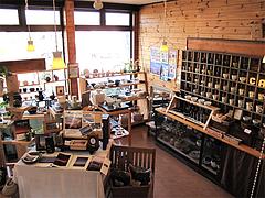 店内:1階は器と雑貨のお店HookTail@おちゃの舎 野の花・福岡県小郡市