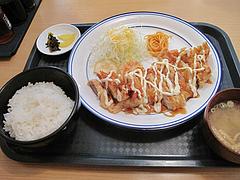 ランチ:鶏南蛮定食500円@カラフル食堂・那の川