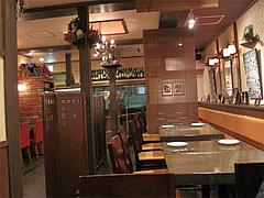 店内:テーブル@ビストロ・アンココット・住吉