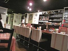 店内:カウンター席@スリランカ料理ポルポル・天神