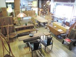 23一階フロア@いわい家具・ウッドスタイルカフェ
