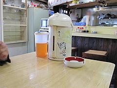 店内:テーブル@あじよし・渡辺通