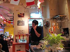8店内:店長さん@チリダイニング・chili dining fukuoka mexican