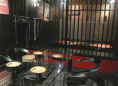 店内:ガラス張り個室個室@白金玄歩・居酒屋・薬院