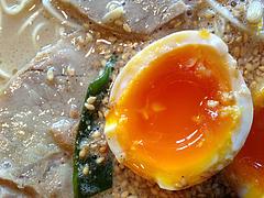 13ランチ:煮玉子@黒豚ラーメン・黒豚ブラザーズ・大橋店