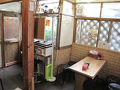 7店内:明るいアジアン@らーめん酒場まんぼ亭・赤坂門市場