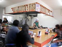 2店内:カウンター・テーブル@江ちゃんラーメン