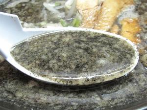 12博多の黒スープ@六長屋