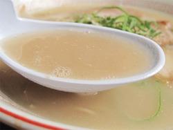 6ラーメン豚骨スープ@ラーメン一鉄