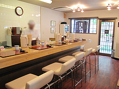 店内:カウンター8席@あずみ(赤坂井田らーめん)・対馬小路