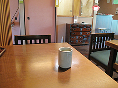 店内:2人用テーブル席@手打ち蕎麦・やぶ金・天神・大名