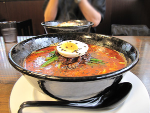 7担々麺780円@溢香園(いこうえん)